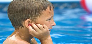 Swimmers-ear-2